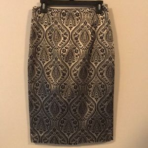 Like New Worthington Silver/Black Pencil Skirt sz6